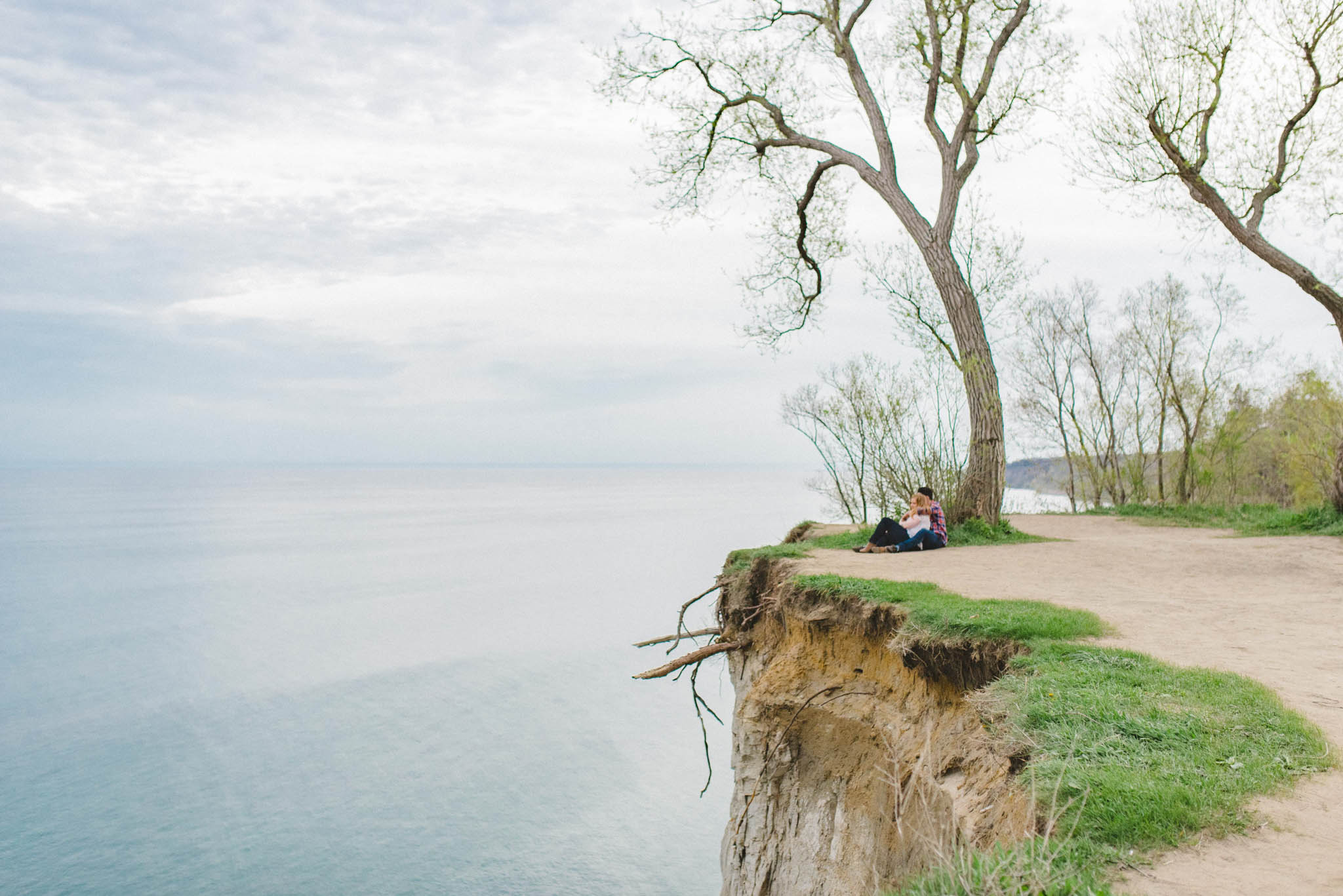 Scarborough Bluffs Engagement Photos | Olive Photography