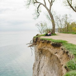 Scarborough Bluffs Engagement – Caitlin & Jesse