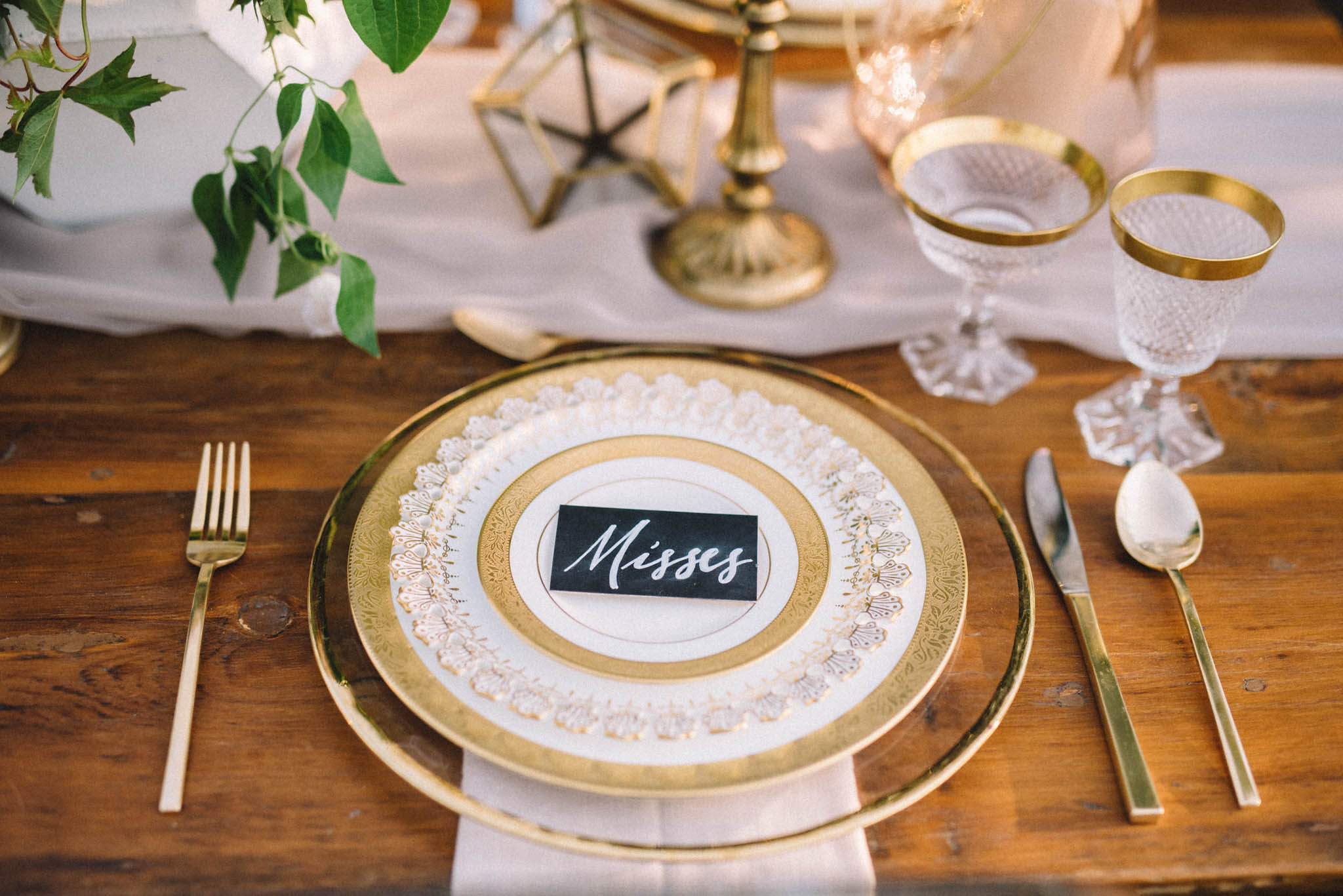 Chalk calligraphy placecards | Olive Photography Toronto
