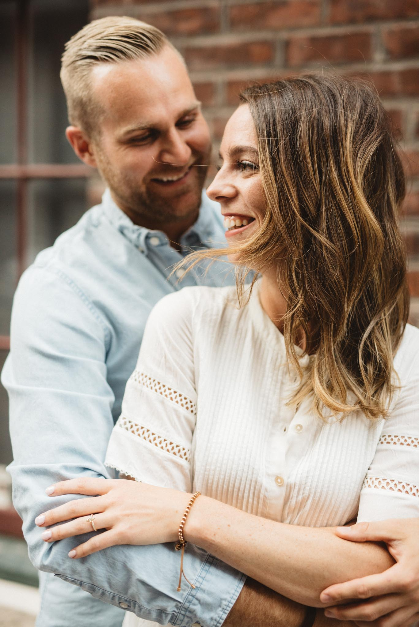 relaxed Toronto engagement photos