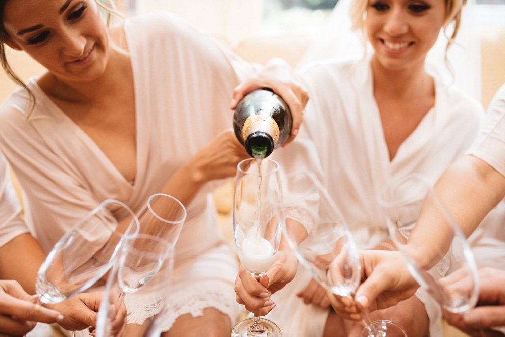 Bridesmaids Champagne - Olive Photography
