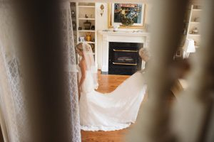 Bride getting ready photos | Olive Photography