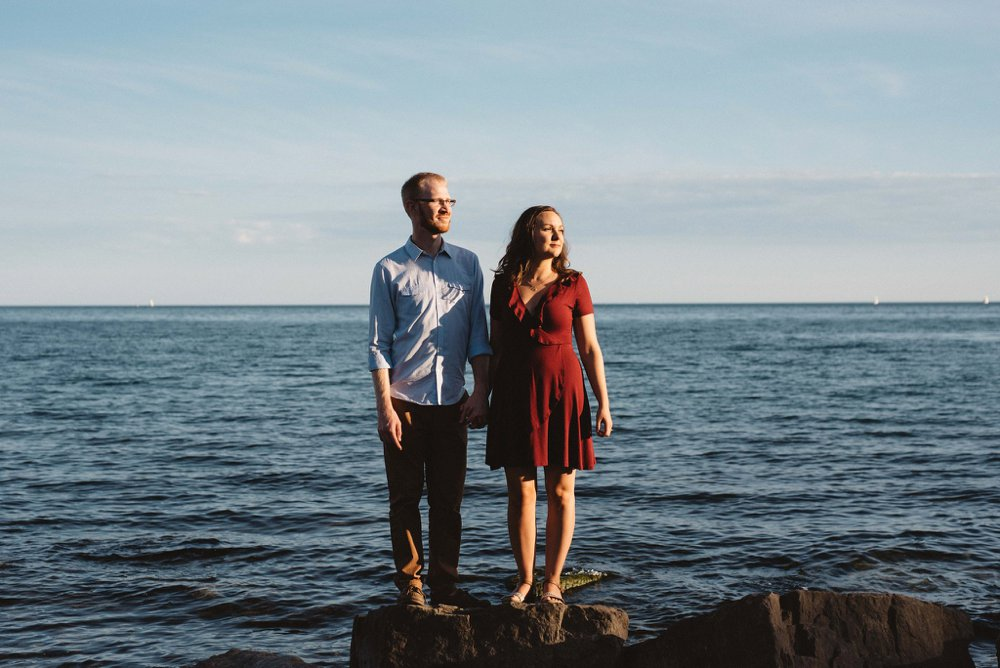 lake engagement photos | Olive Photography