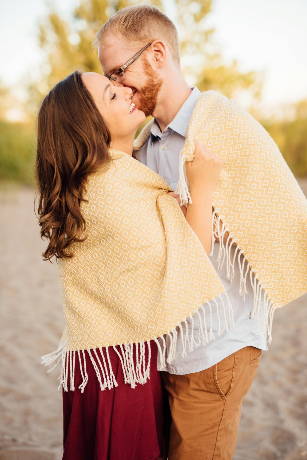 cozy blanket engagement photos | Olive Photography Toronto