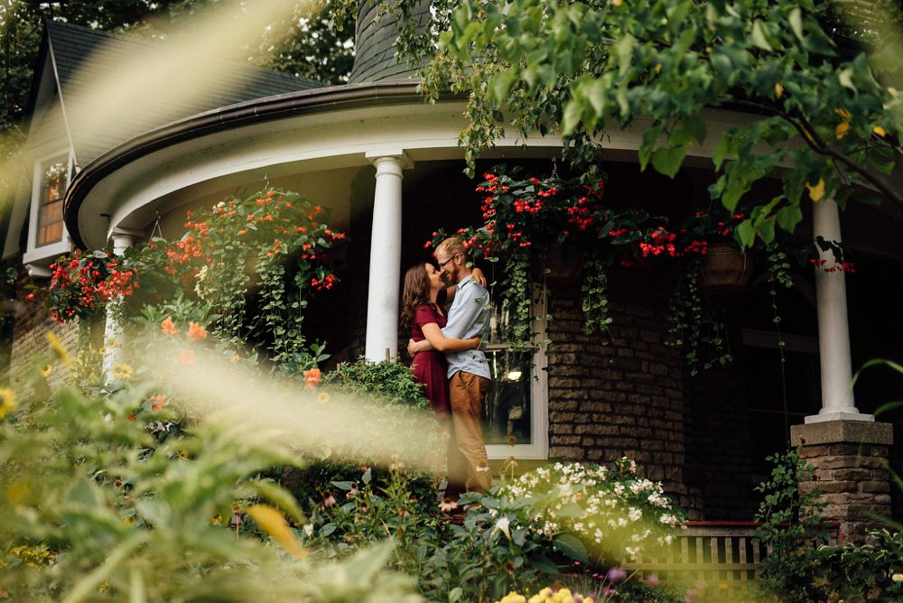 garden engagement photos | Olive Photography Toronto