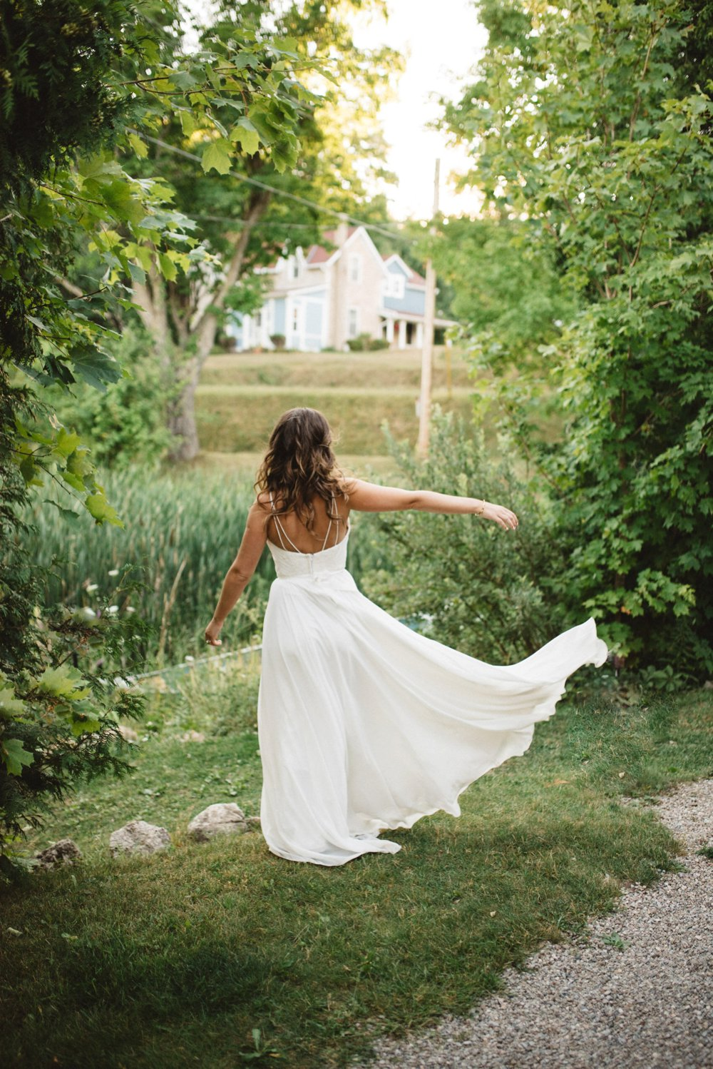 Flowy Wedding Dress - Truvelle Bridal - Olive Photography Toronto