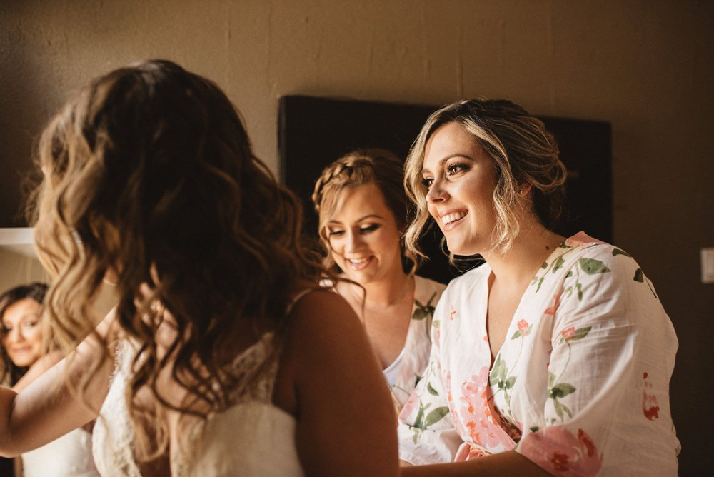 Bride prep photos - Olive Photography Toronto