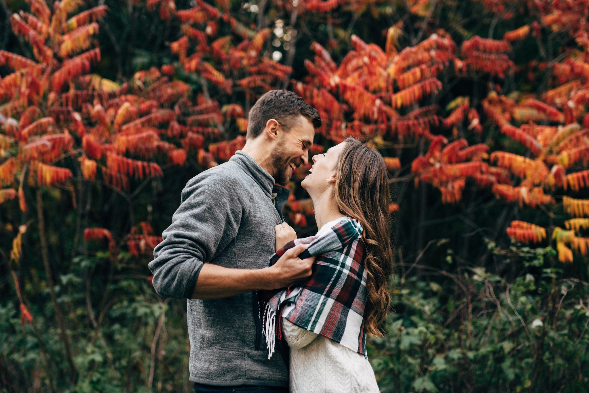 Fall scarf engagement photos | Olive Photography Toronto