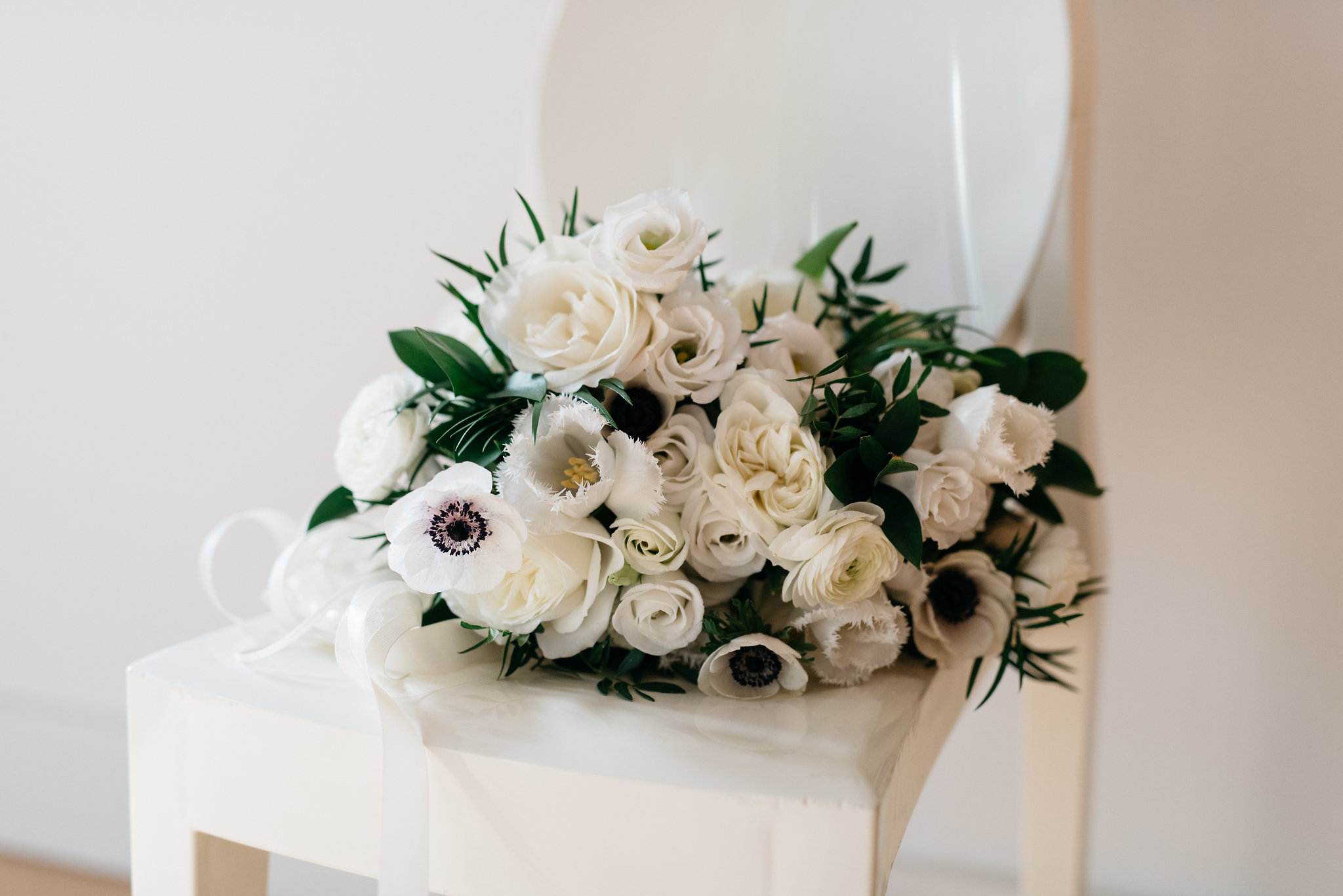 Toronto florist white bouquet - Olive Photography